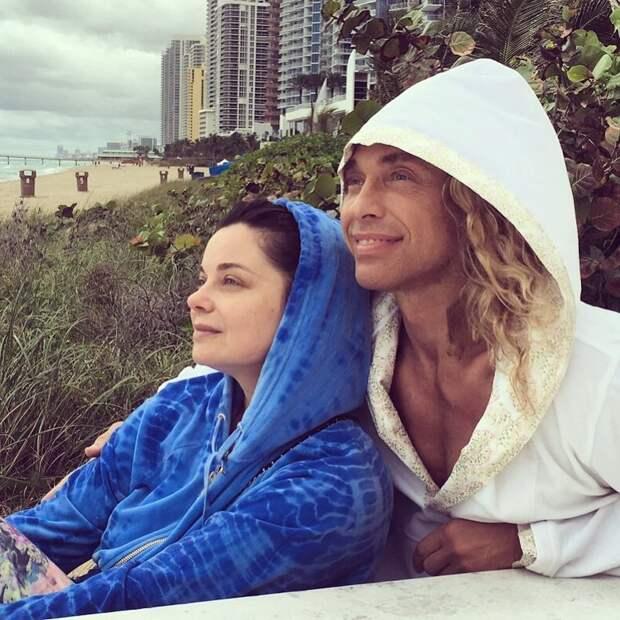 Наташа Королева и Тарзан отправились на отдых в Турцию