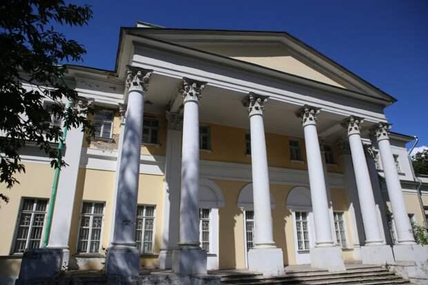 Дача Строгановых входит в список романтичных мест округа/Ярослав Чингаев, «Юго-Восточный курьер»