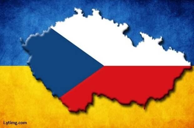 Эксперт объяснил, чем обернется для России высылка Чехией 18 дипломатов