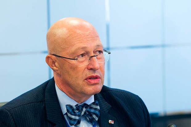 Соловей заявил, что девальвация рубля и секвестр бюджета, произойдут в июле или августе сего года