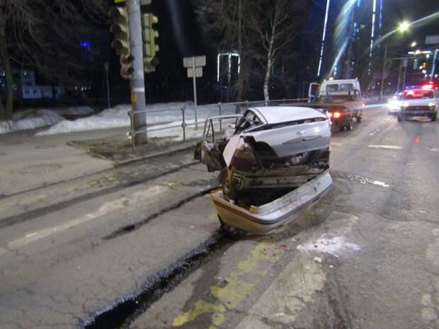 Устроивший ночную аварию с участием 4 машин житель Ижевска был на угнанном авто