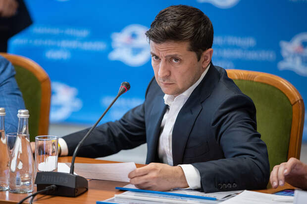 Зеленский солгал: ВСУ стягивают бронетехнику к границе ЛНР