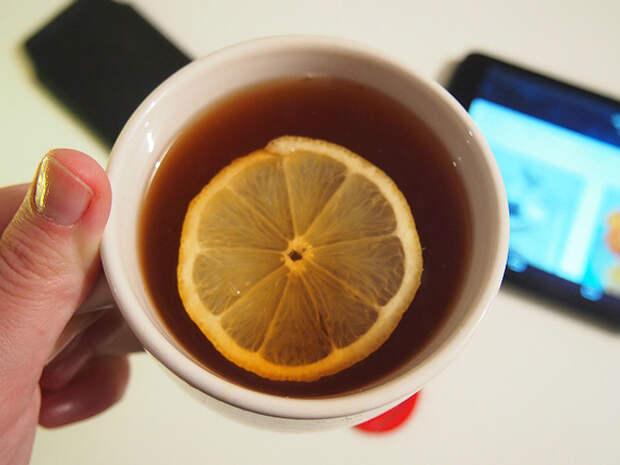 Гастроэнтеролог Бережная предупредила о вреде горячего чая