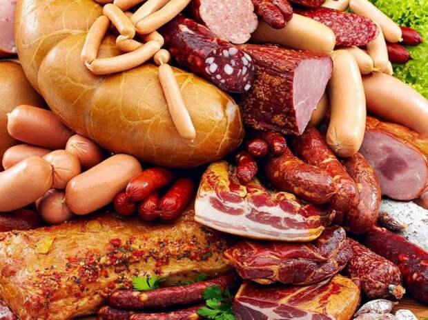 Кто и зачем мечтает лишить россиян колбасы?