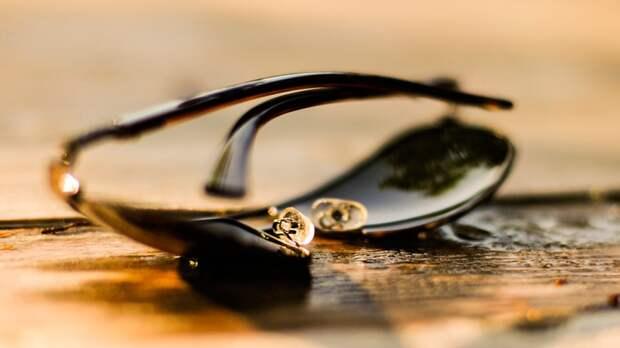 Офтальмолог объяснил опасность неправильно выбранных солнцезащитных очков