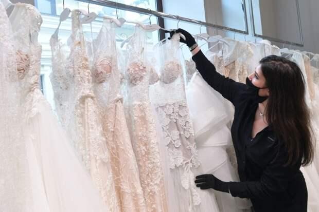 Психолог объяснила тенденцию молодёжи жить вне брака