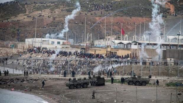 Испания мобилизовала армию из-за нашествия тысяч мигрантов (ФОТО)