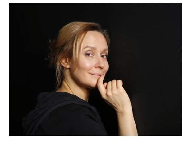 Евгения Дмитриева - известная российская актриса.