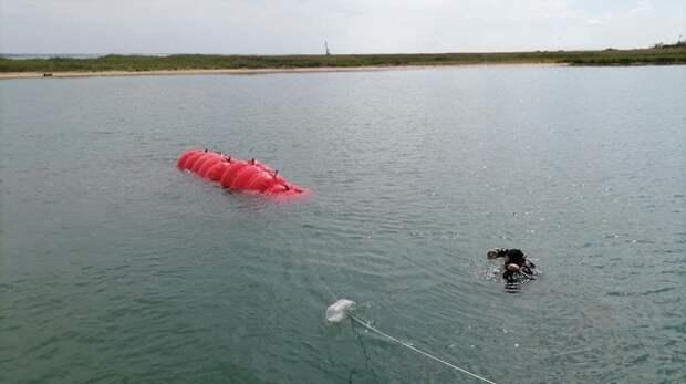 В Керчи из воды подняли штурмовик Ил-2, затопленный во время ВОВ