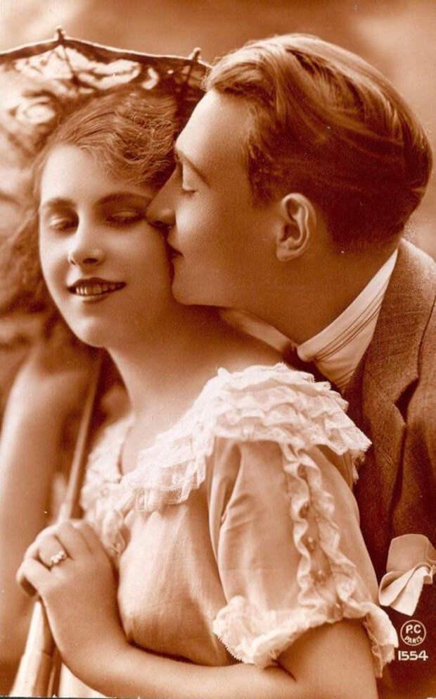Французские открытки, в которых показано, как романтично целовались в 1920-е годы 21
