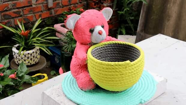 Вторая жизнь старых игрушек. Необычный и симпатичный садовый декор