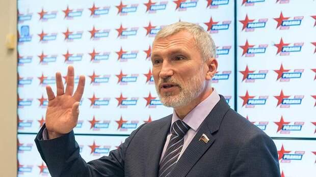 Алексей Журавлёв выступил за введение в школах уроков военного образования