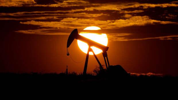 Национальная нефтяная корпорация Ливии ввела режим форс-мажора в одном из портов