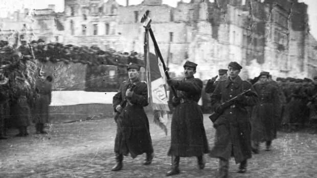 Минобороны опубликовало материалы об освобождении Польши Красной армией