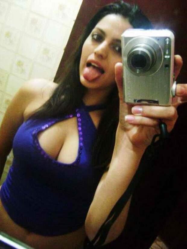 Девушки с большими грудями из социальных сетей (35 фото)