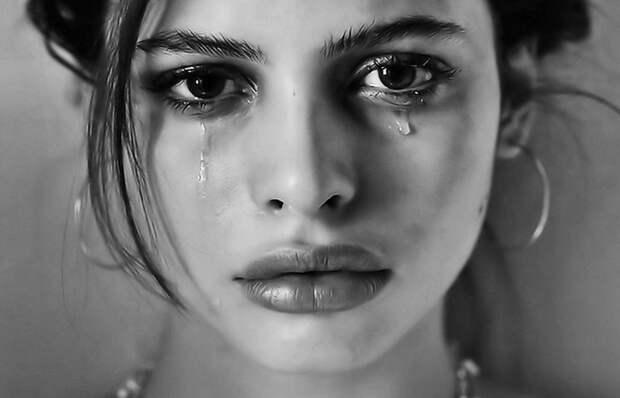 Женские слёзы и гормоны.