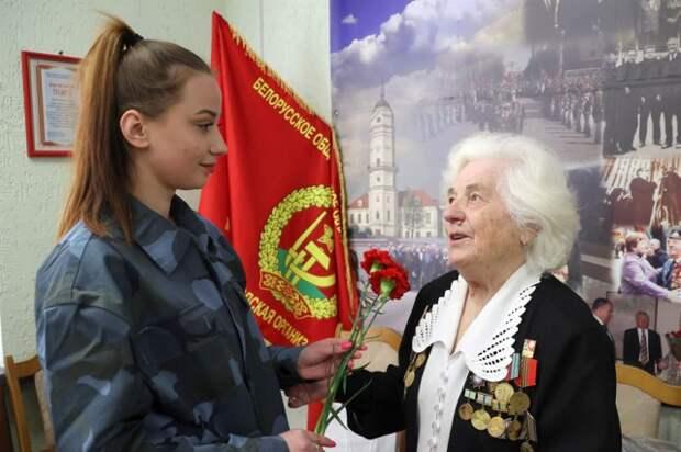 Важно сохранить память о страшных событиях войны и не допустить их повторения - блокадница Ленинграда.