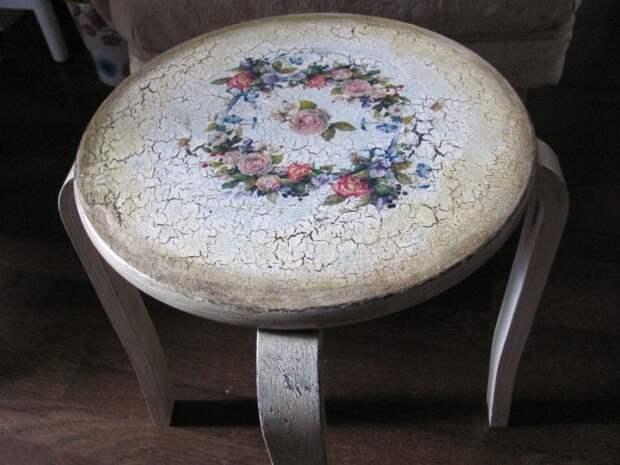 Новая жизнь старого стола с помощью самых простых манипуляций