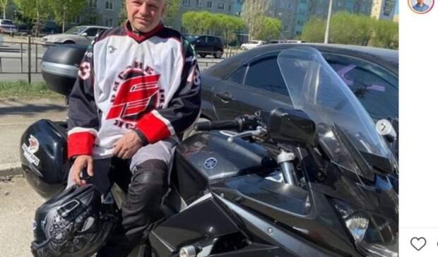 Лечивший Навального омский врач устроил мотопробег вчесть победы «Авангарда»