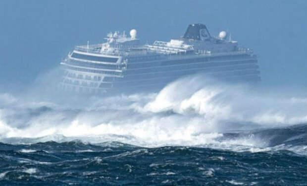 Проверка работы инженеров: корабли вошли в мегашторм