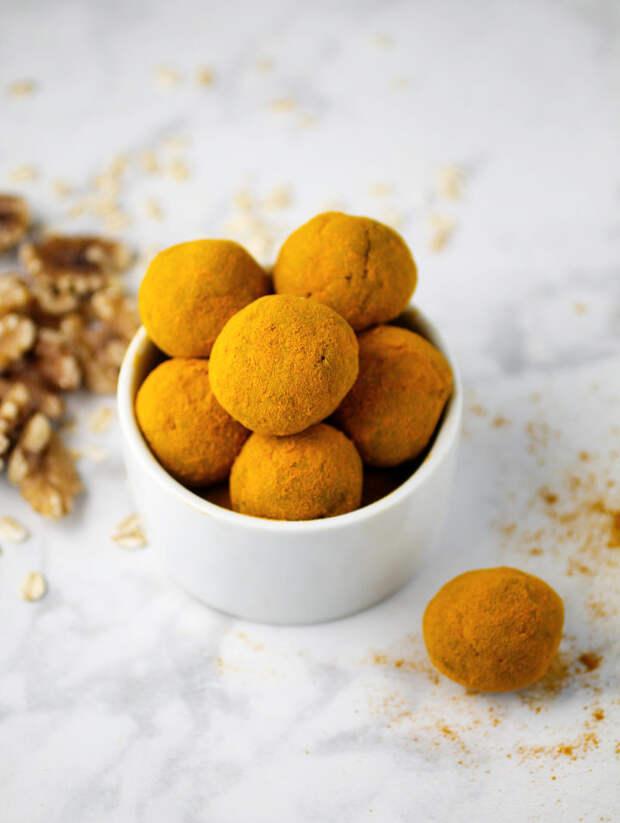 Шарики с грецкими орехами и куркумой - вкусно и полезно