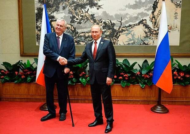 Президент Чехии предложил организовать встречу Путина и Трампа в Праге