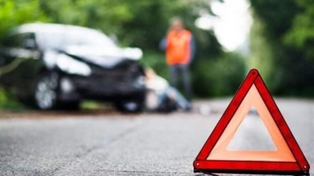 ДТП на Подоле: водитель такси заснул за рулем