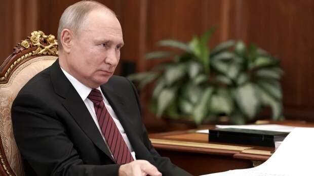 Путин осудил «агрессивные планы» на международной арене во время парада Победы