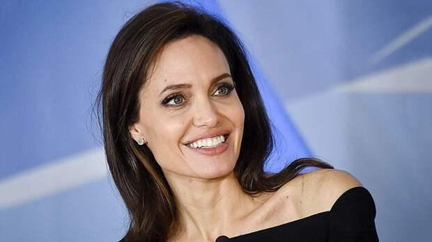 Анджелина Джоли поделилась личными переживаниями