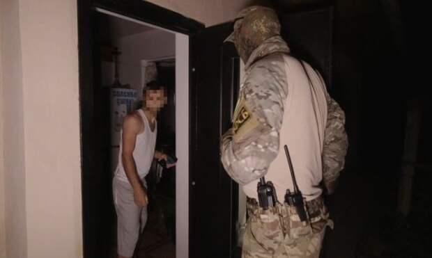 ФСБ задержала в Крыму семерых членов запрещённой экстремистской организации