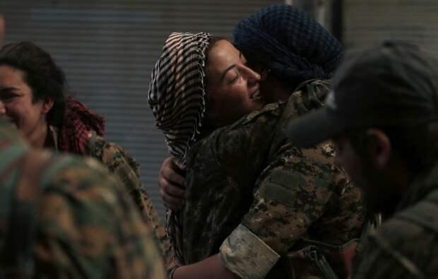 Женщины-военнослужащие армии Демократических сил Сирии
