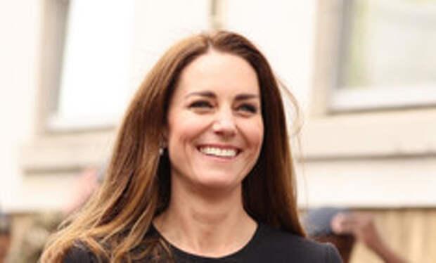 Смеющаяся Кейт Миддлтон появилась на публике впервые после похорон Филиппа