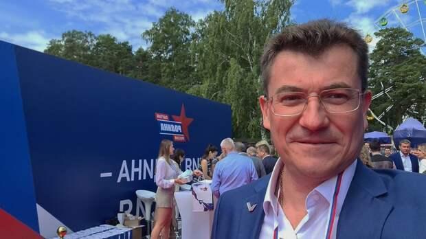 Комелов ведет «Родину» в Ленинский муниципальный совет