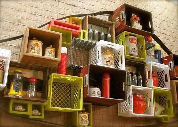 Это может пригодиться! Интересные идеи для применения пластмассовых тарных ящиков дома и на даче.