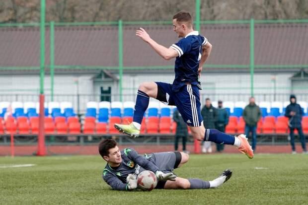 Футболисты Савеловского начали чемпионат с победы