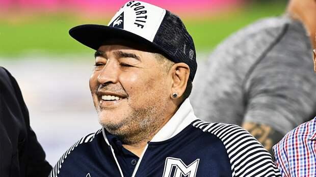 СМИ: Марадона госпитализирован в одну из больниц Аргентины. Ухудшение здоровья не имеет отношения к COVID-19