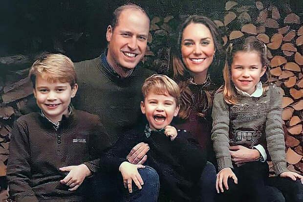 В Сеть утекло рождественское фото британской королевской семьи