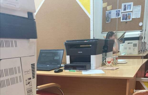 «Многопартийность — это в Госдуме». Как бюджетников в Петербурге отправляют на праймериз «Единой России» с «Огоньком»