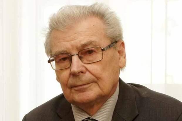 Скончался экс-ректор КГУ Александр Коновалов