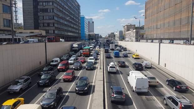 Москвичей предупредили о приостановке движения транспорта по Тверской улице с 18 июня
