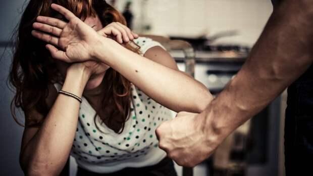 В Николаевской области мужчина избил жену