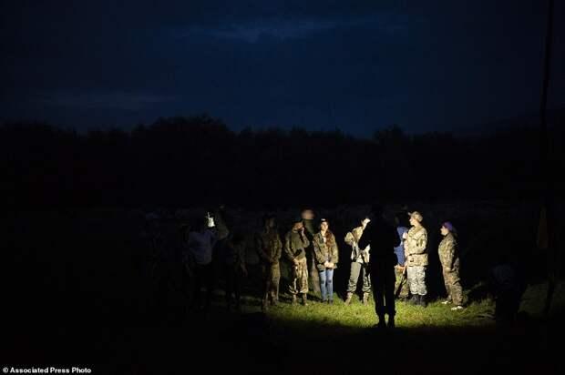 В украинском националистическом лагере обучают детей убивать россиян