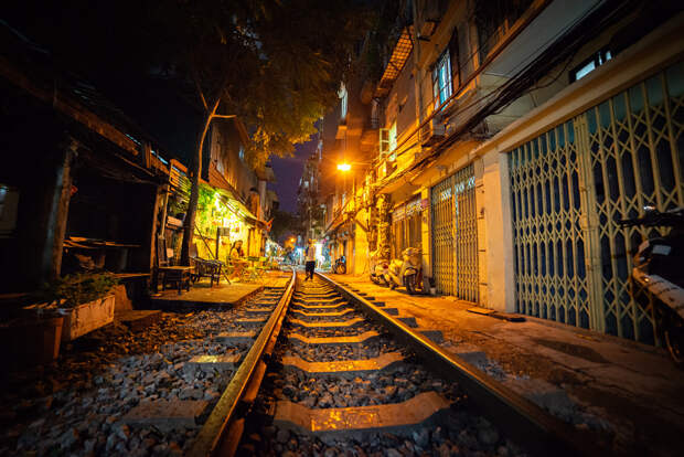 Railway through the city by Philipp Scaglia on 500px.com