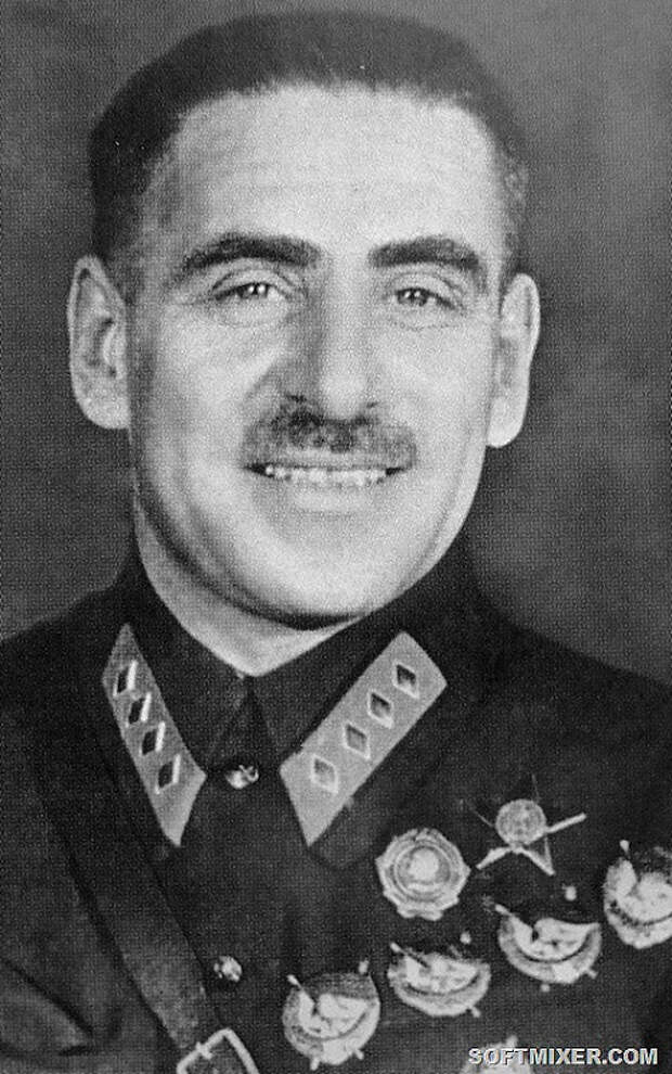 Vasily_Blyukher_1932