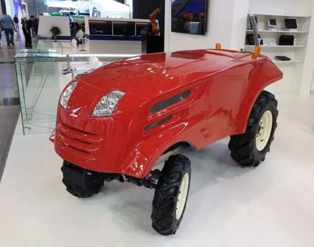 «Роскосмос» представил беспилотный трактор с искусственным интеллектом