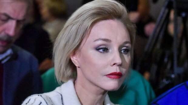 Вдова Табакова сравнила Бузову с Зеленским после ее дебюта в МХАТе