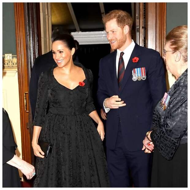 Елизавета II соберет семейный совет из-за отказа принца Гарри от королевских привилегий