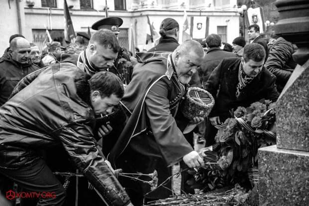 В Симферополе отметили годовщину создания Народного ополчения Крыма 13