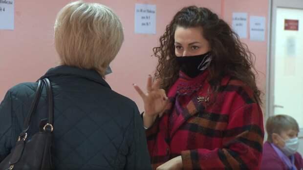 На трех избирательных участках Нижнего Новгорода работают сурдопереводчики