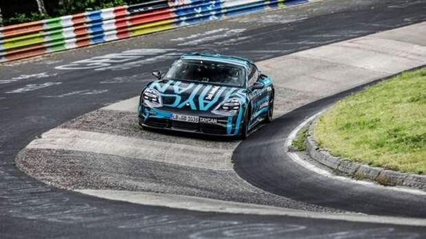 Электромобиль Porsche стал рекордсменом ещё до премьеры